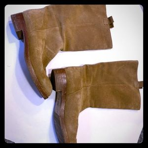 Mid calf suede boots tan